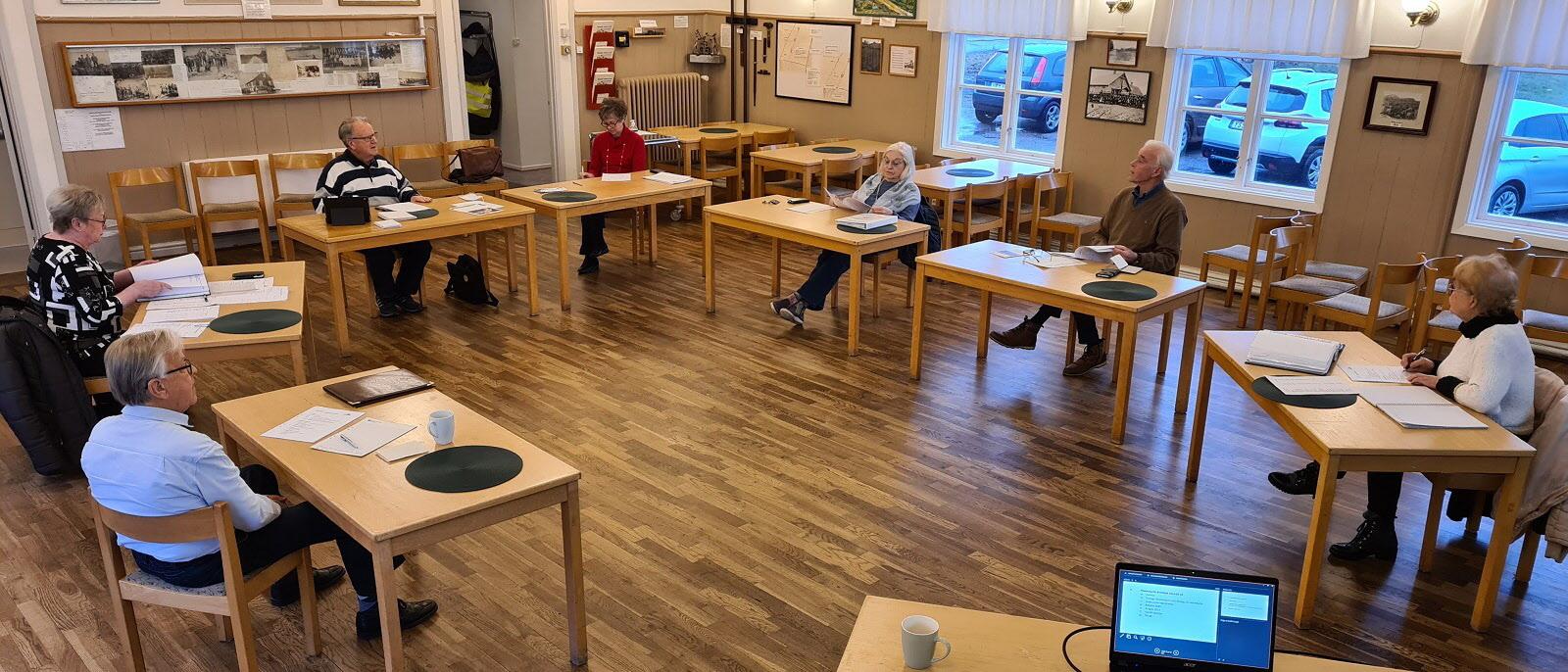 Styrelsemöte i Folkets hus i Söndrum. Större bild: högerklicka och välj Visa bild
