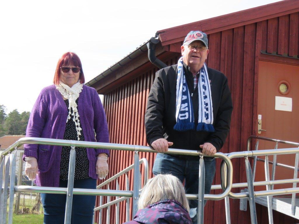 Maggan och Janne önskar Glad Påsk