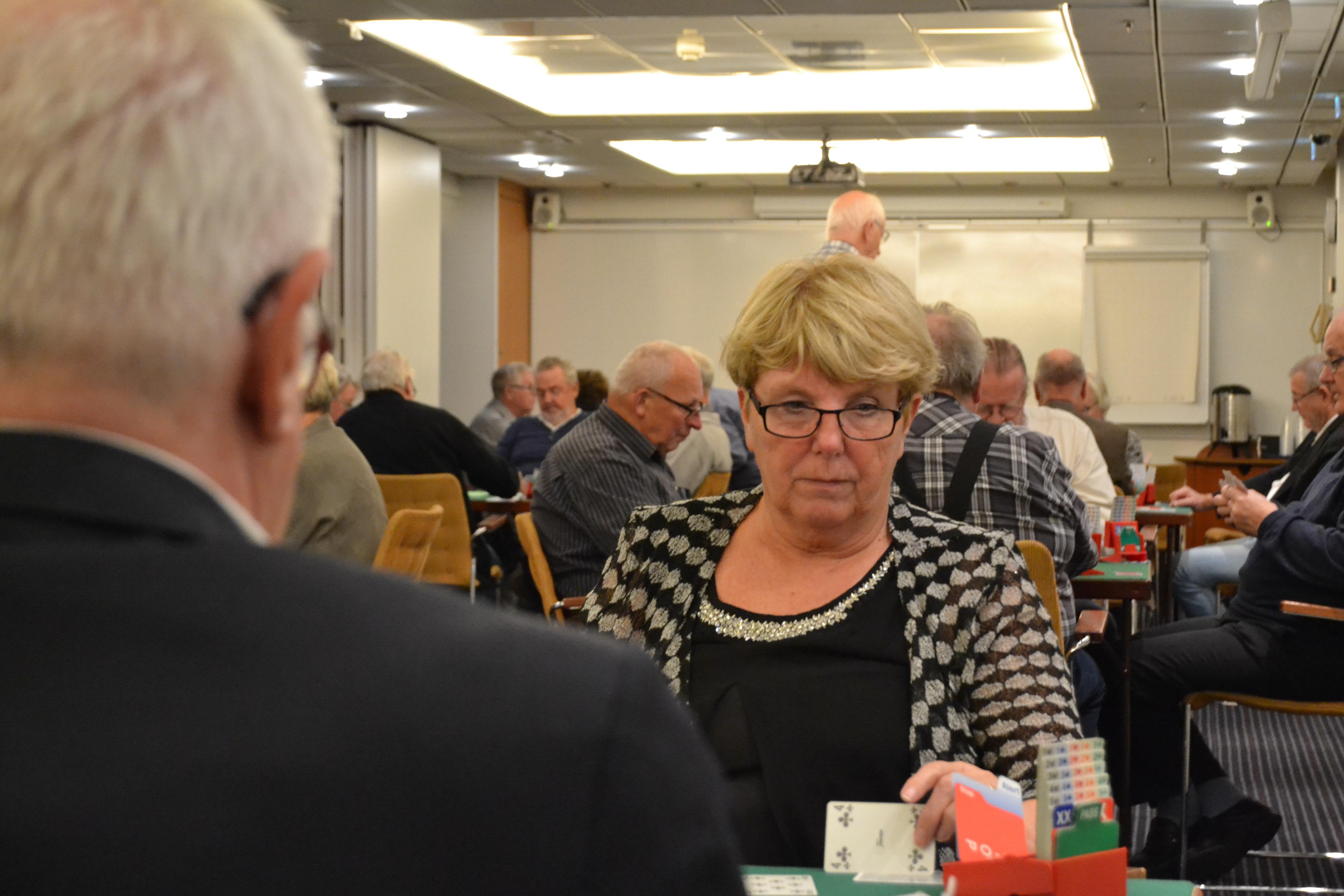 Hallandsparet Vera Gemrud och Per-Ingvar Skoglund från SPF Seniorerna Falkenberg-Skrea nosade på medaljplats flera gånger under spelet. De slutade på en hedrande fjärdeplats.