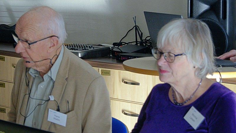 Hans Wallin och Monica Larsen håller i mötet