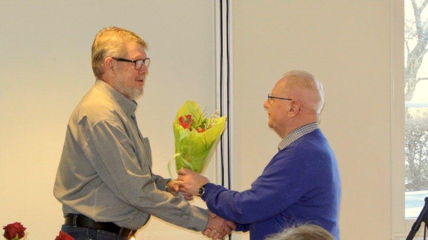 Avtackning av Eddy Persson för arbetet i styrelsen.