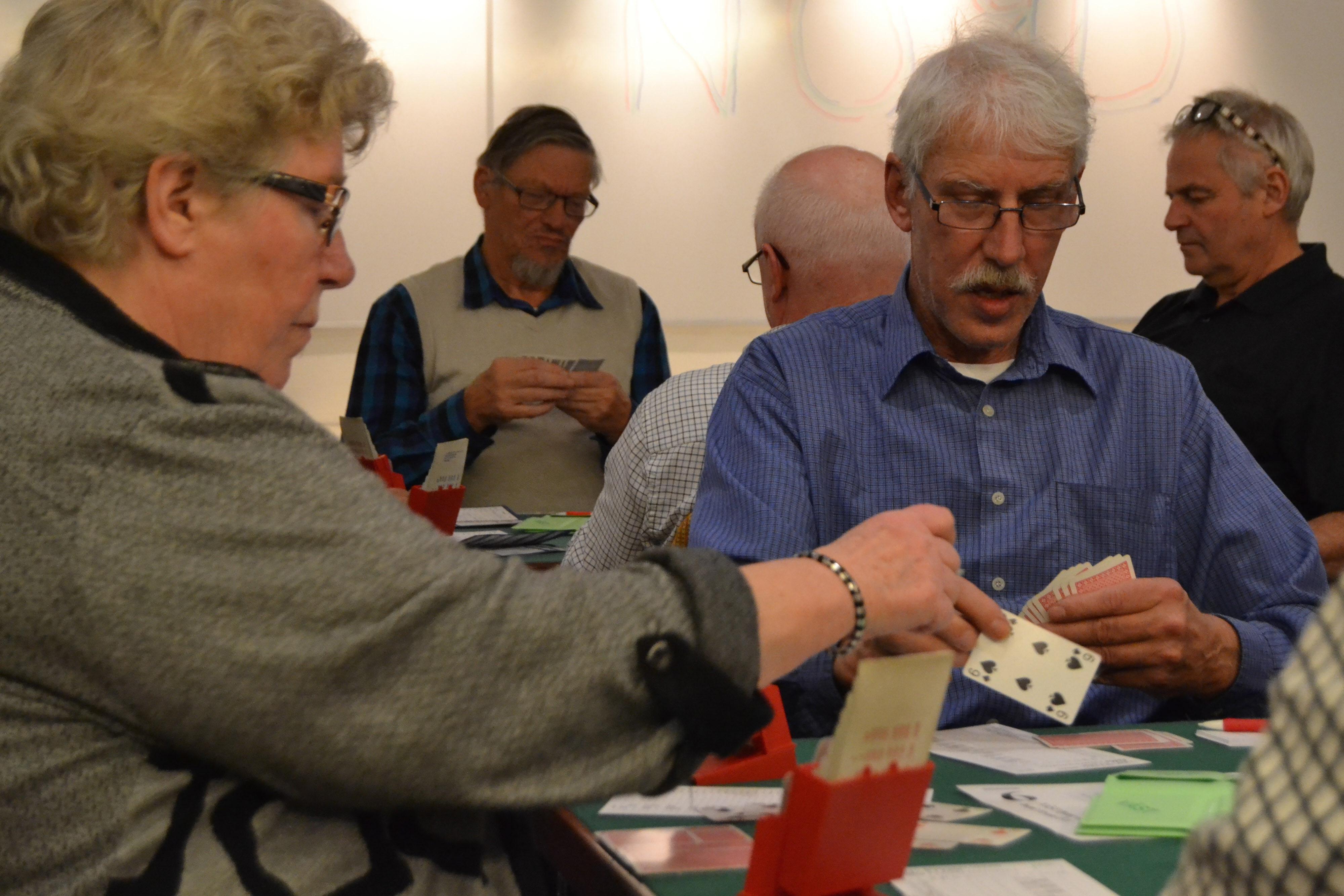 Ingrid Ahl från SPF Seniorerna Boo spelar ut i första ronden.