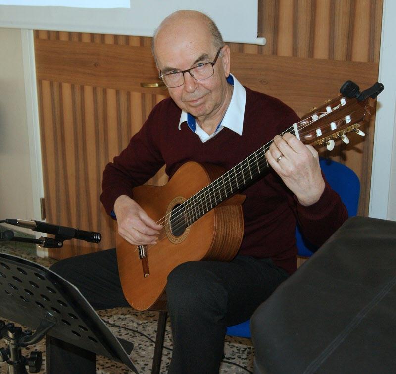 Gunnar Stendahl spelar