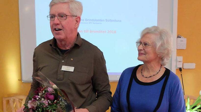 Ordföranden K-G Holmgren tackade avgående styrelseledamoten Ulla Bella Gylleus för hennes mångåriga insatser i styrelsen och programkommittén.