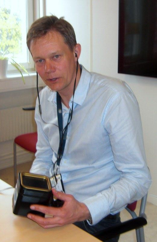 Johan Ahlström på plats och får alltså en teaburk