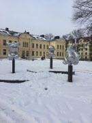 Stadspromenad med offentlig konst
