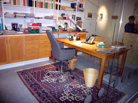 Detta är Ingvar Kamprads arbetsrum som han lämnade det när han flyttade hem från Schweitz