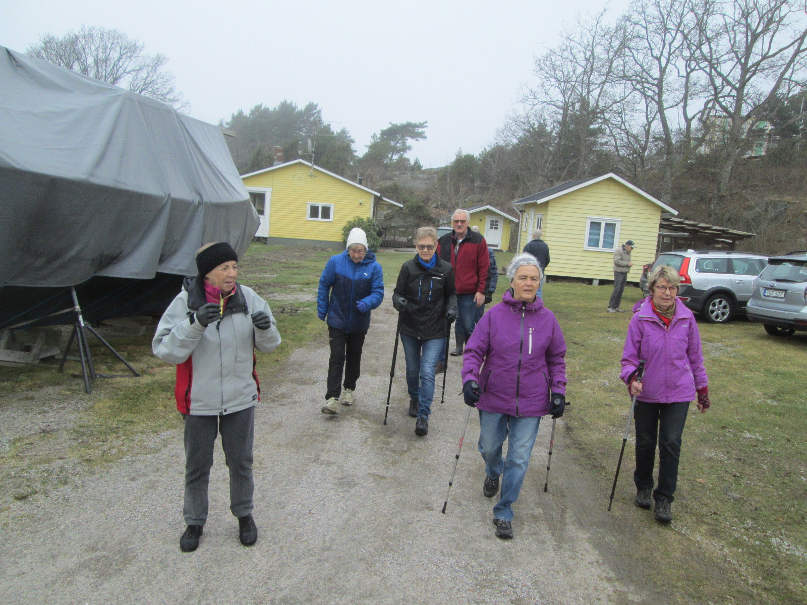 2018, 19 mars promenadledare på Öddö Gunnel Lovell (t v på bild)