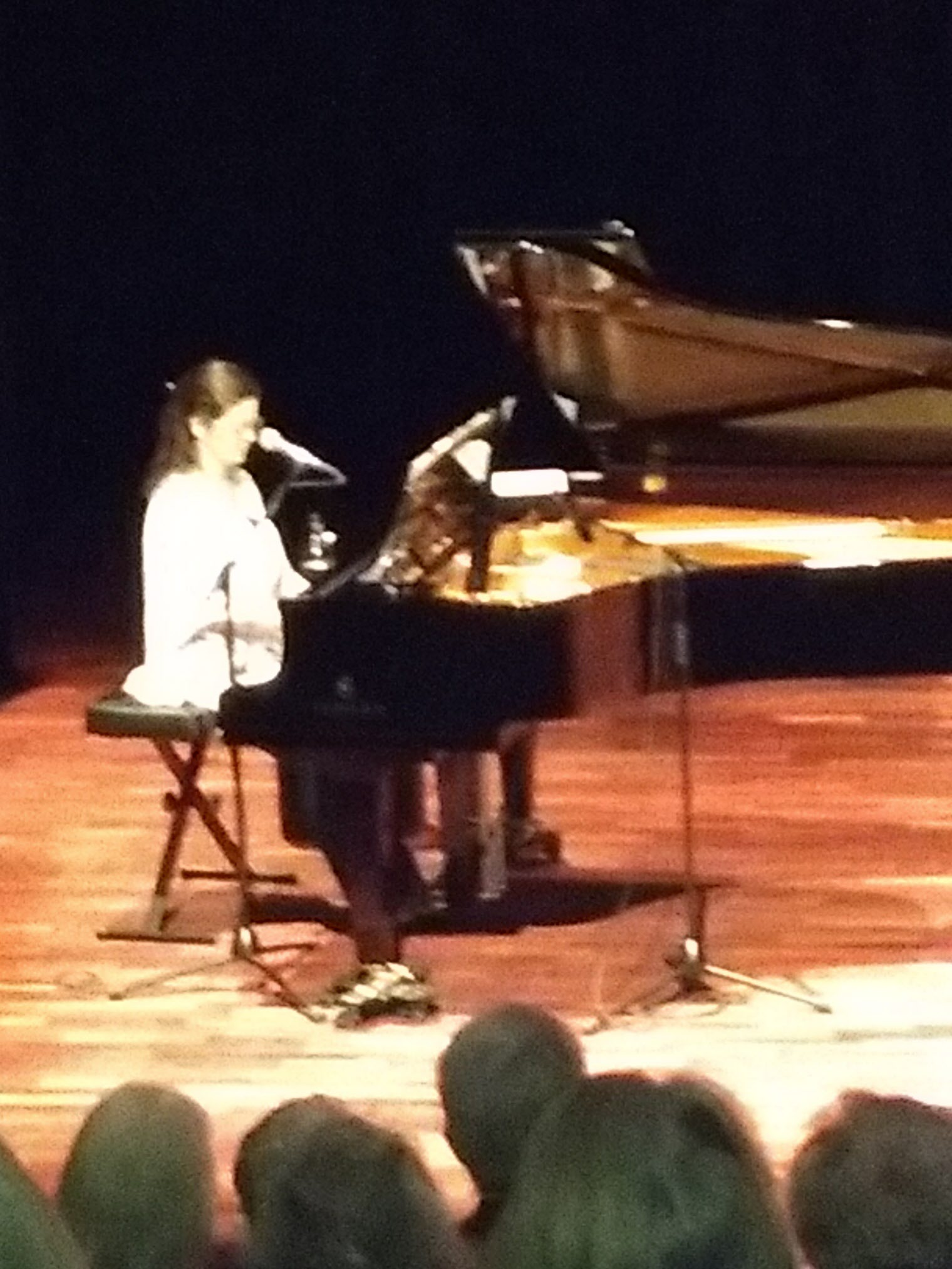 Tittie Hvenare på piano