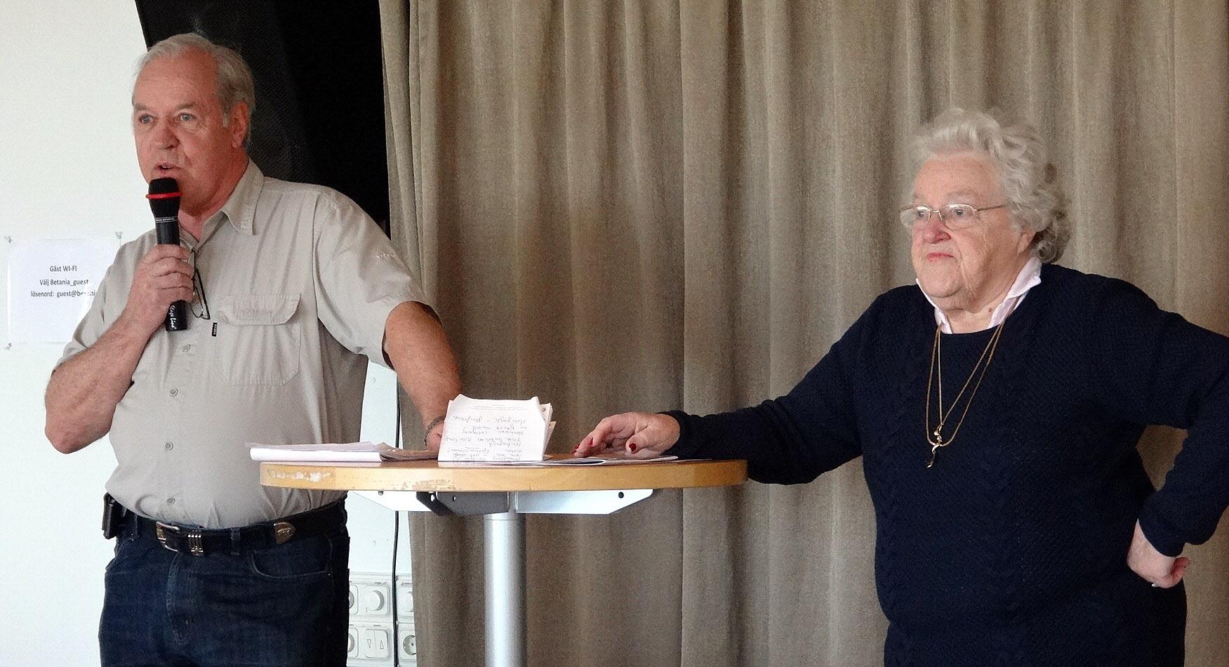 Seniordans 18.00-20.00 varje söndag vid Axel Dalströms torg, se annons i tidningen.