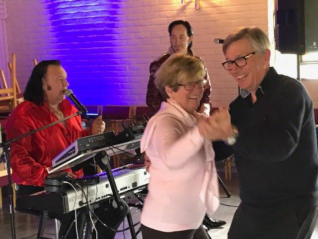 Elvis4Ever spelade upp gamla godingar som lockade fram dansglädjen.