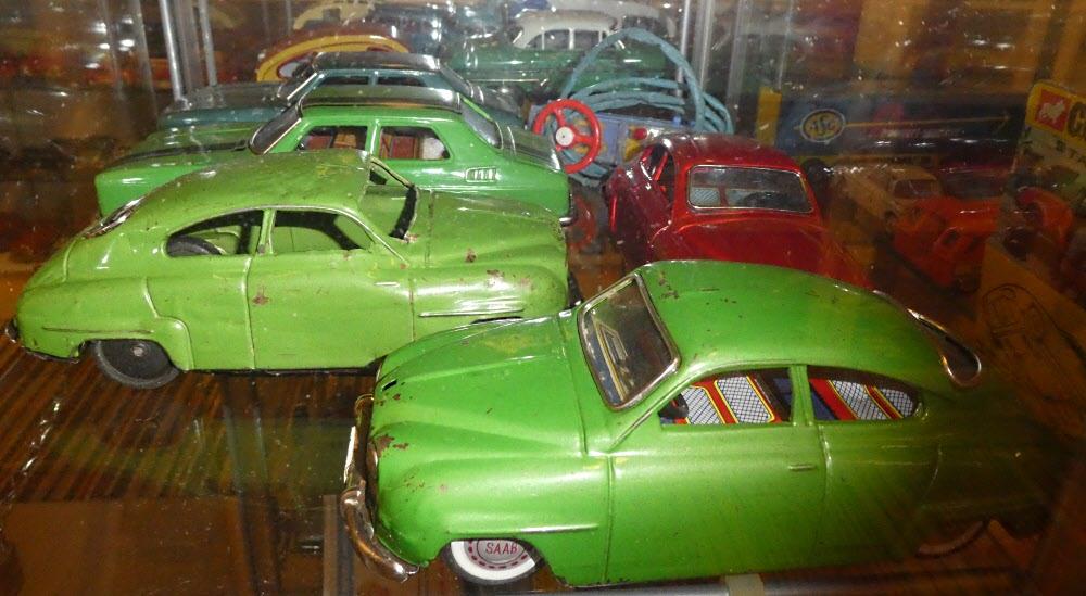 Inte undra på att Saab gick i konkurs om alla var gröna. Dock var ingen av mina gamla Saabar grön.