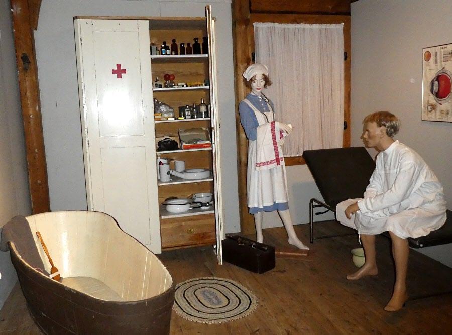 Hygienen är viktig på sjukstugan. Så ta ditt bad nu, direkt, tack!