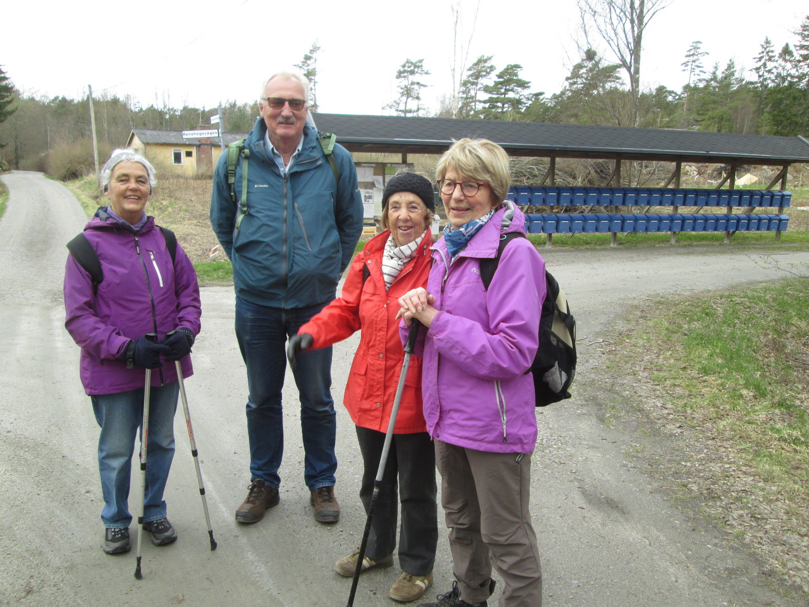 3 maj 5 st med fotografen ställde upp mot Krosskärr