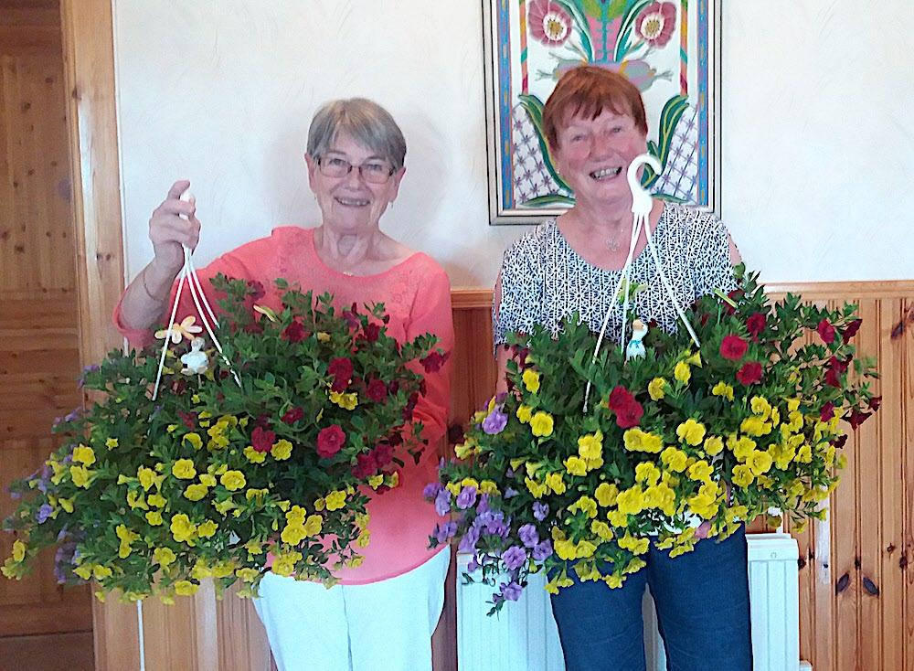 Inger och Inger och två andra blommor