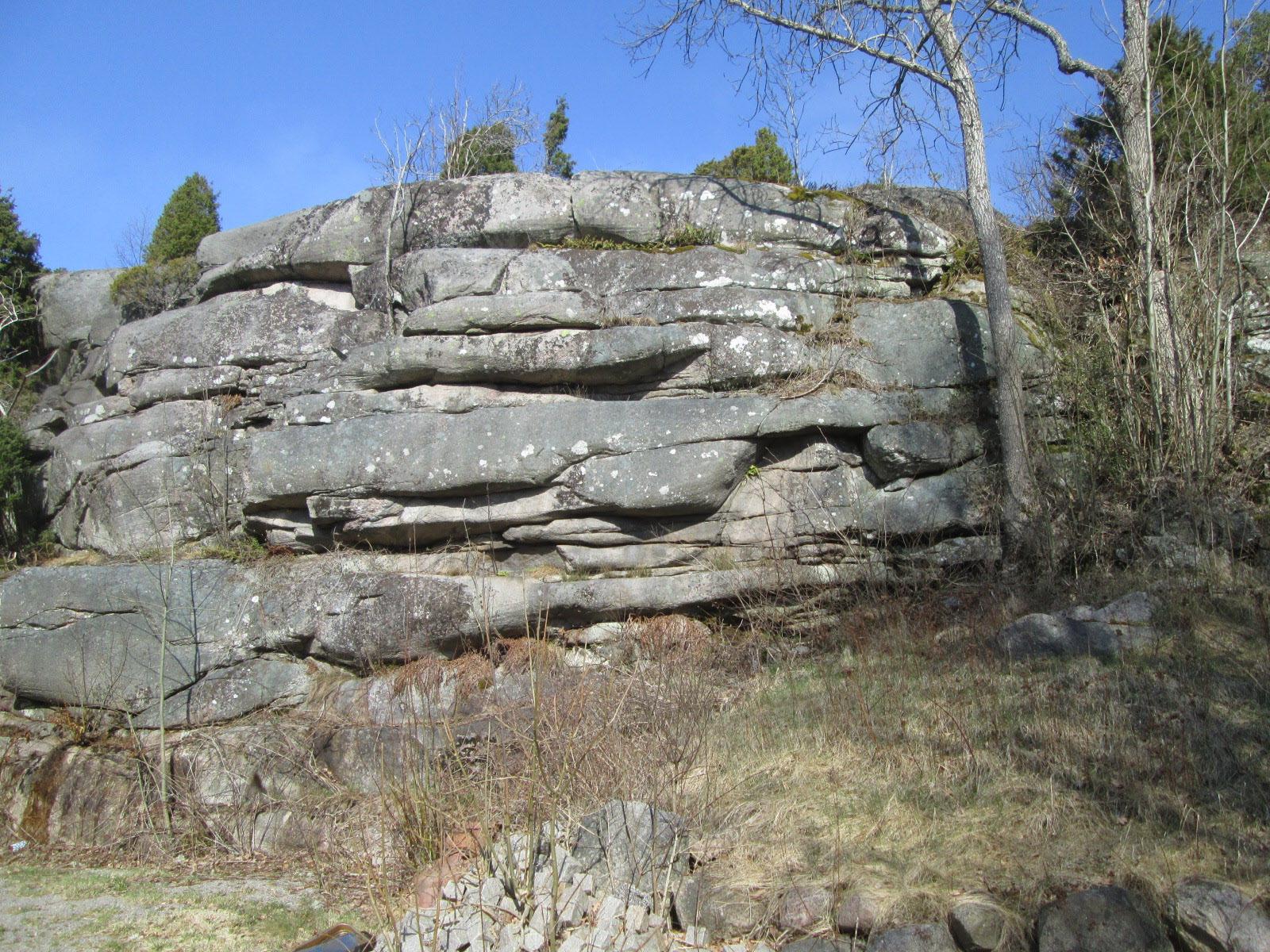 Bankad granitlagringar