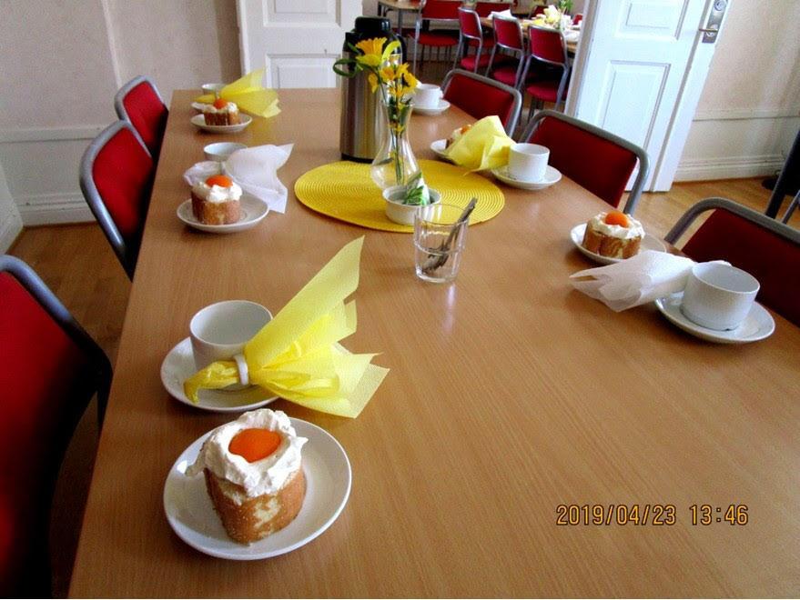 Borden dukades med en lockande god bakelse