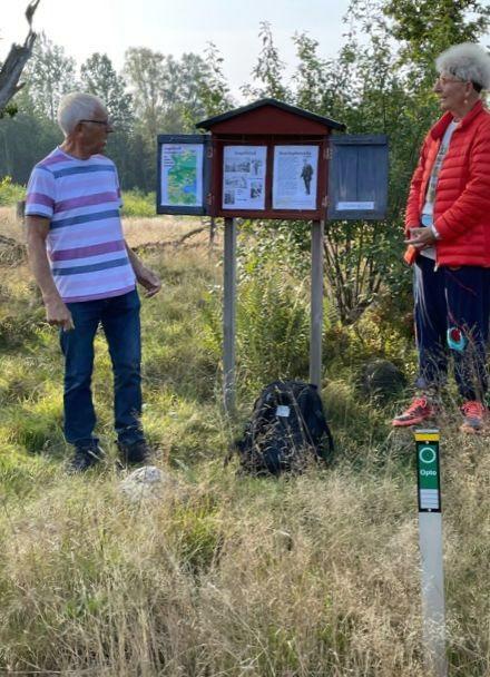 Älanele (Erlands led). Här läser Åsa på bygdemål en rolig text.