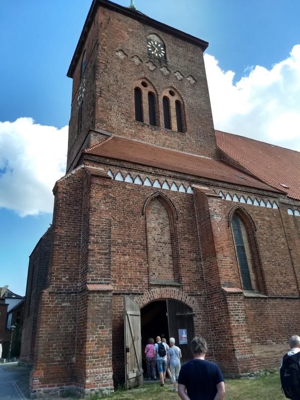 Nästa stopp var kyrkan och dess klockstapel.