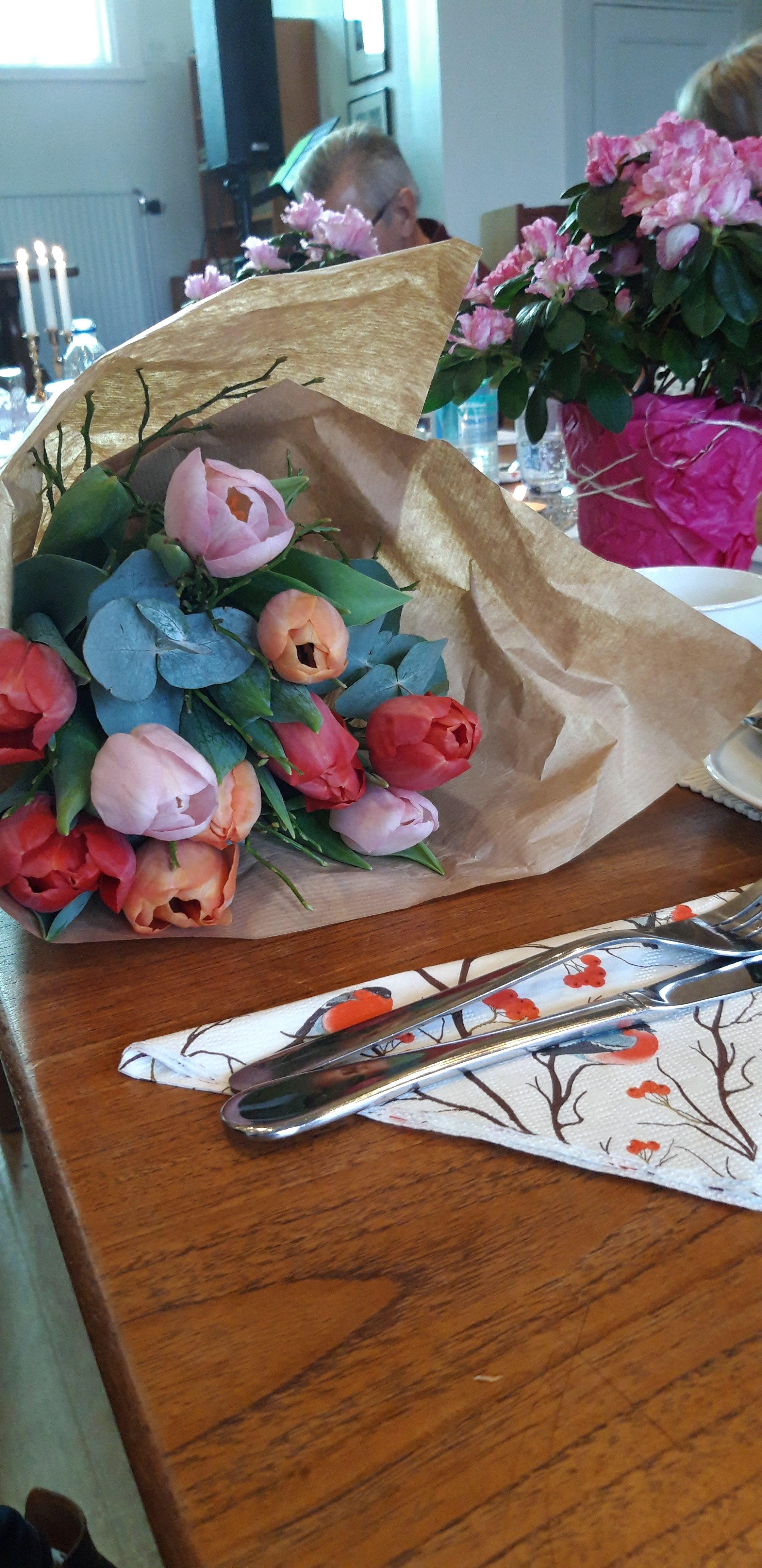 Rebecka tackades med vackra tulpaner