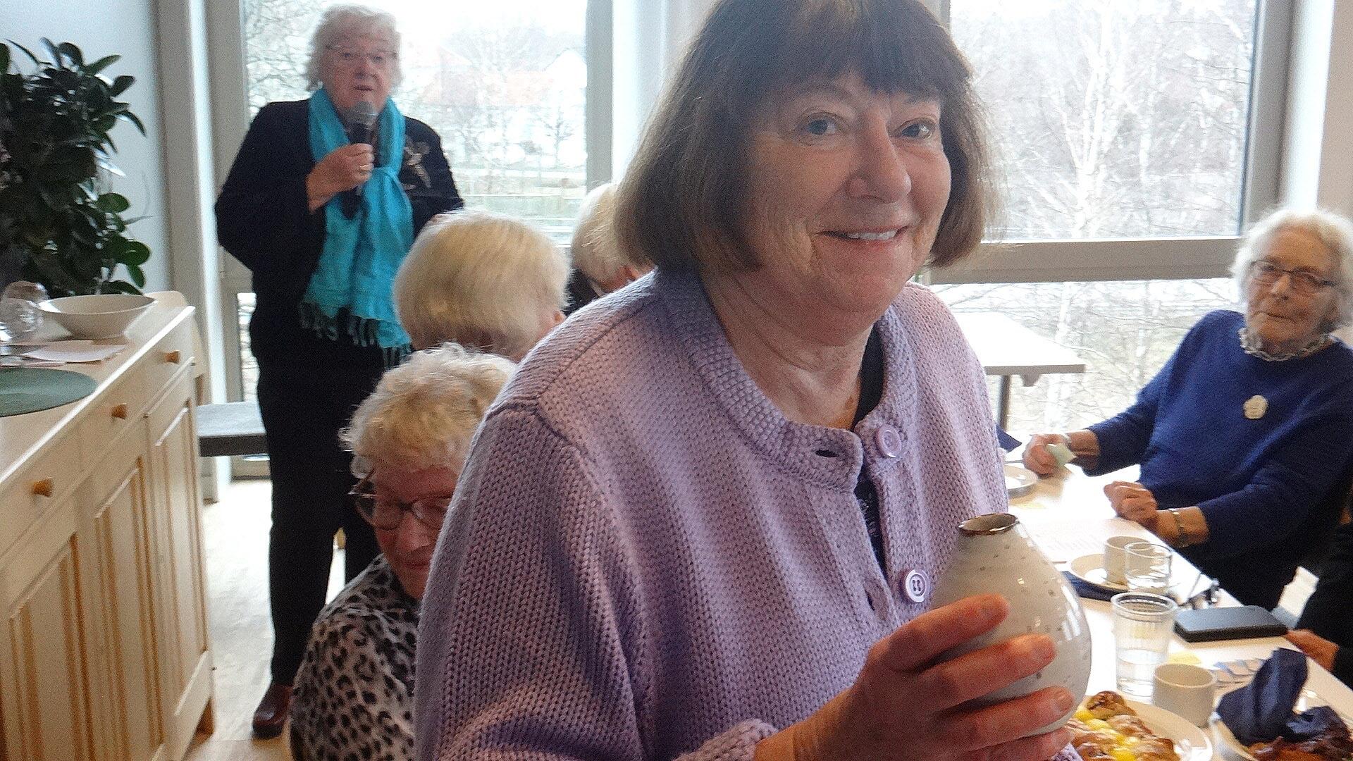 En riktigt söt vas tillverkad i Askim, var en av vinsterna i lotteriet.