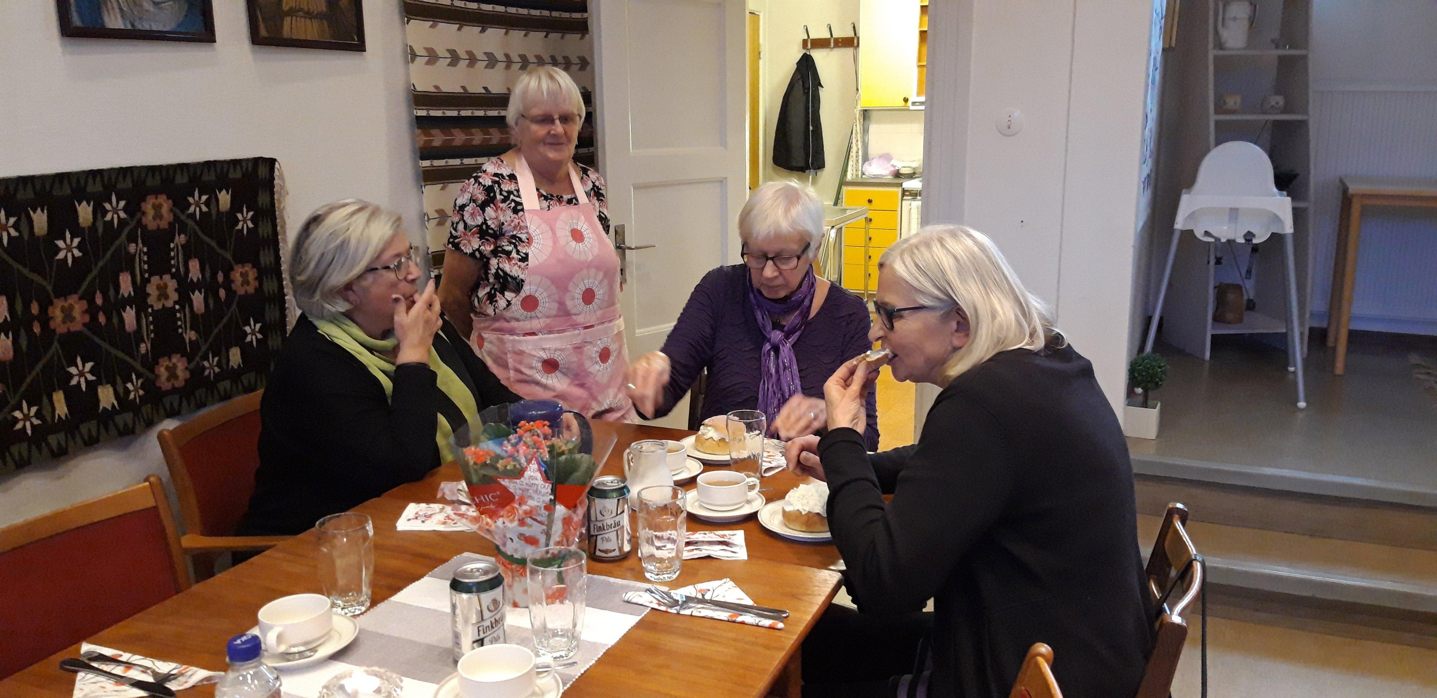 Dagens värdinnor och vår fantastiska hjälp Birgitta