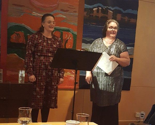 Christine Ankarswärd och Helena Wanrud sjunger