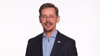 Peter Sikström i DN om att många äldre kommer i kläm när pandemin driver på digitaliseringen