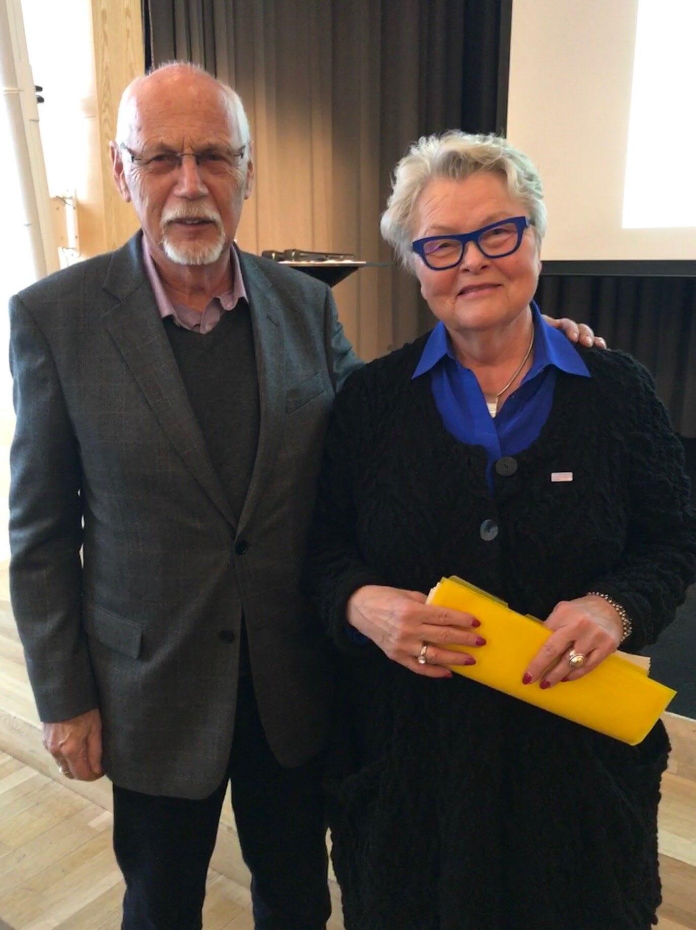 Lars Balkö i samspråk med SPF´s nya förbundsordförande Eva Eriksson.