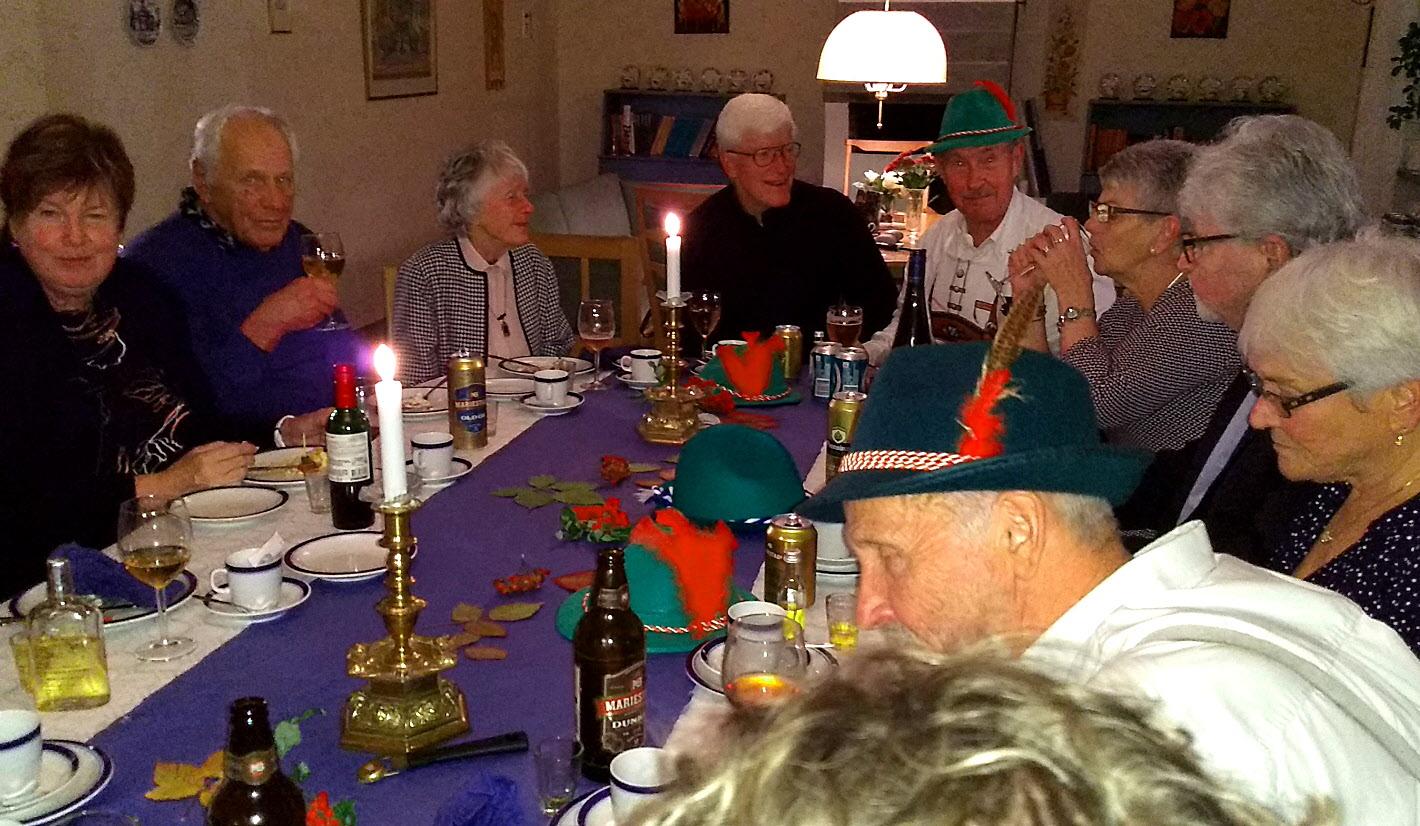 När tyrolerhattarna blev för varma blev dom bordsdekorationer i stället.