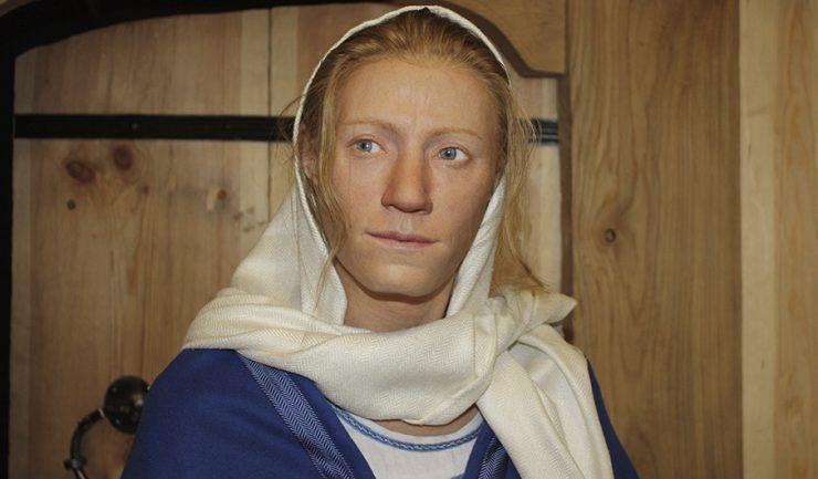Innan besöket i kyrkan fick vi kaffe och smörgås på Västergötlands museum. Därefter fick vi bl a en guidad tur om Kata från Varnhem. Tack vare DNA från hennes grav därstädes kunde man återskapa hur hon såg ut. Fantastiskt!