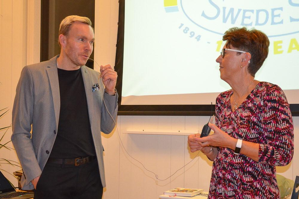 Mikael Borenholts, vice vd Swede Ship och Margareta Andersson, ordf. Tjörnveteranerna