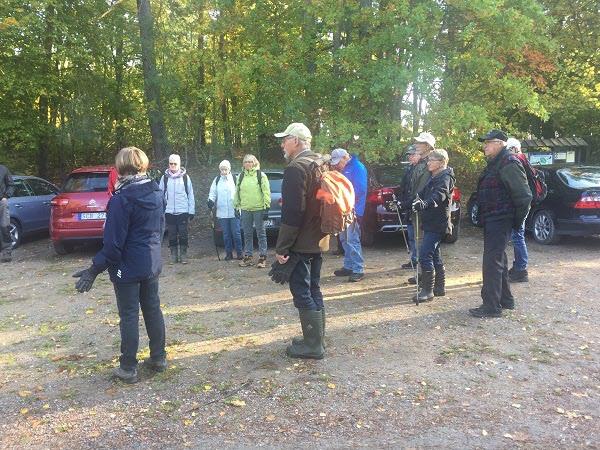 Alla samlade för att starta vandringen.