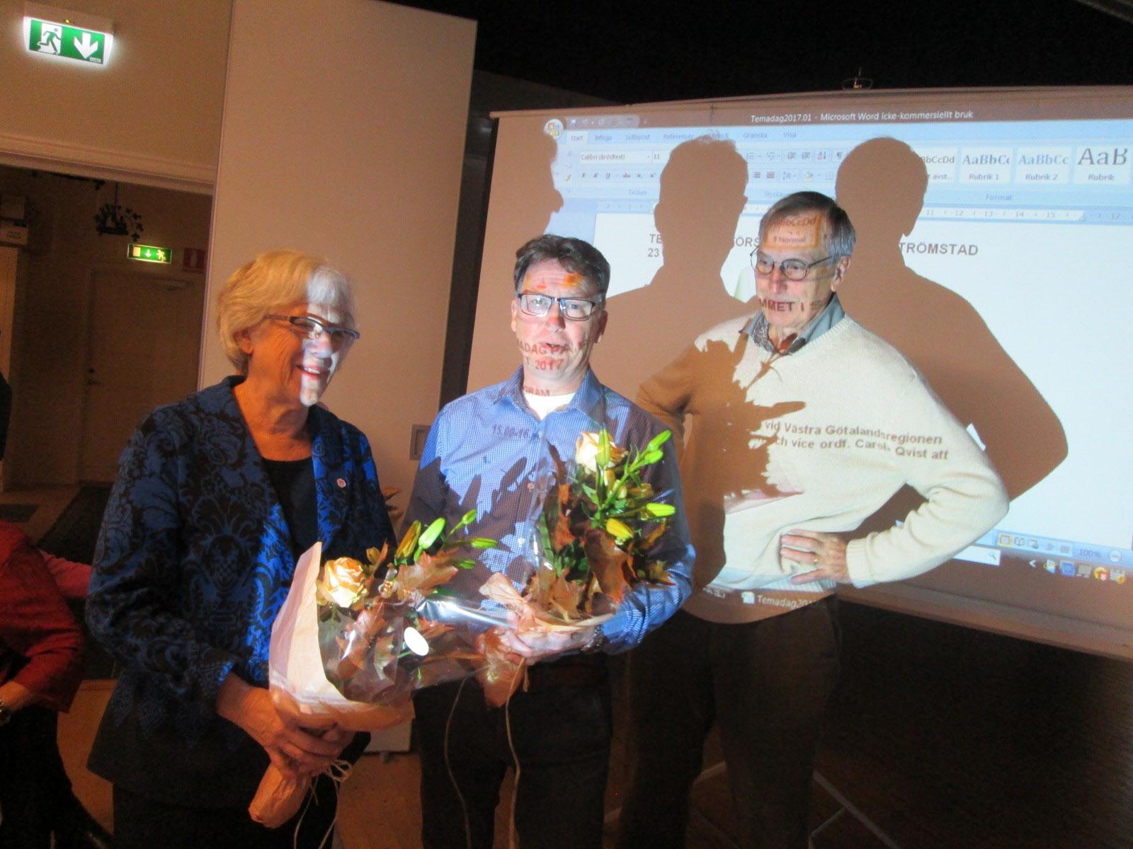 De avtackades med blommor av Anders Tholénn