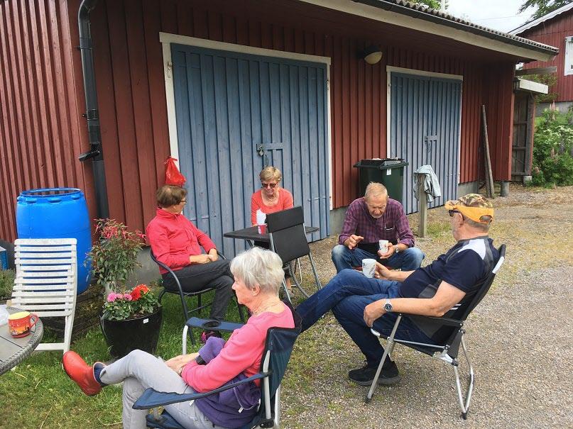 Vi kommer att sakna promenaderna i Råaköp med Gunilla och Lasse.