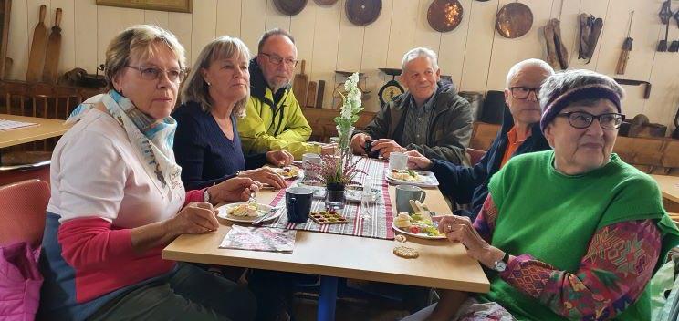 Ett av fikaborden vid Lindberga