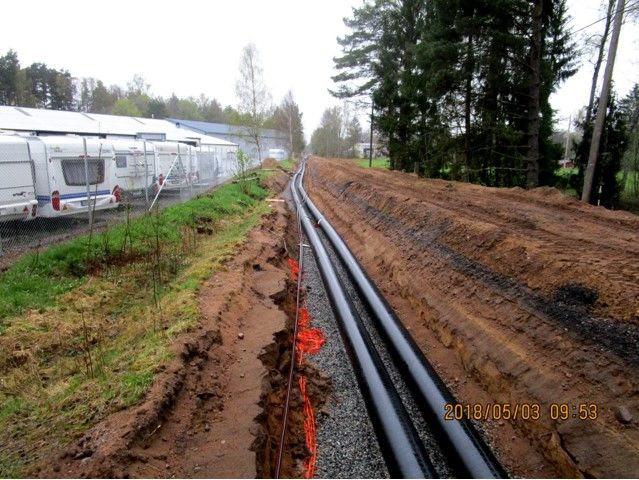 Genom dessa rör ska Laganbostäder värmas upp från fjärrvärmeverket i Ljungby