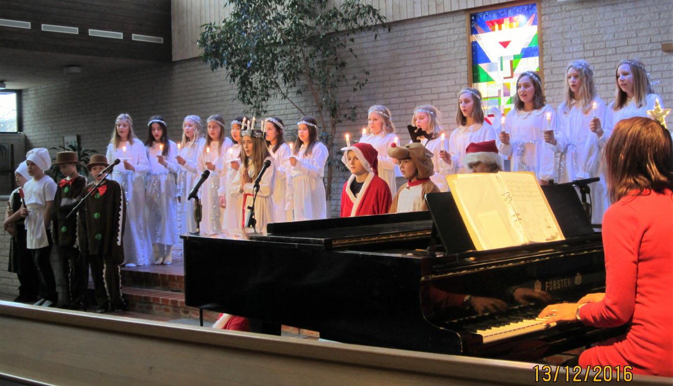 13 dec 2016 Luciauppträdande för SPF Kumlabygden i Johanneskyrkan