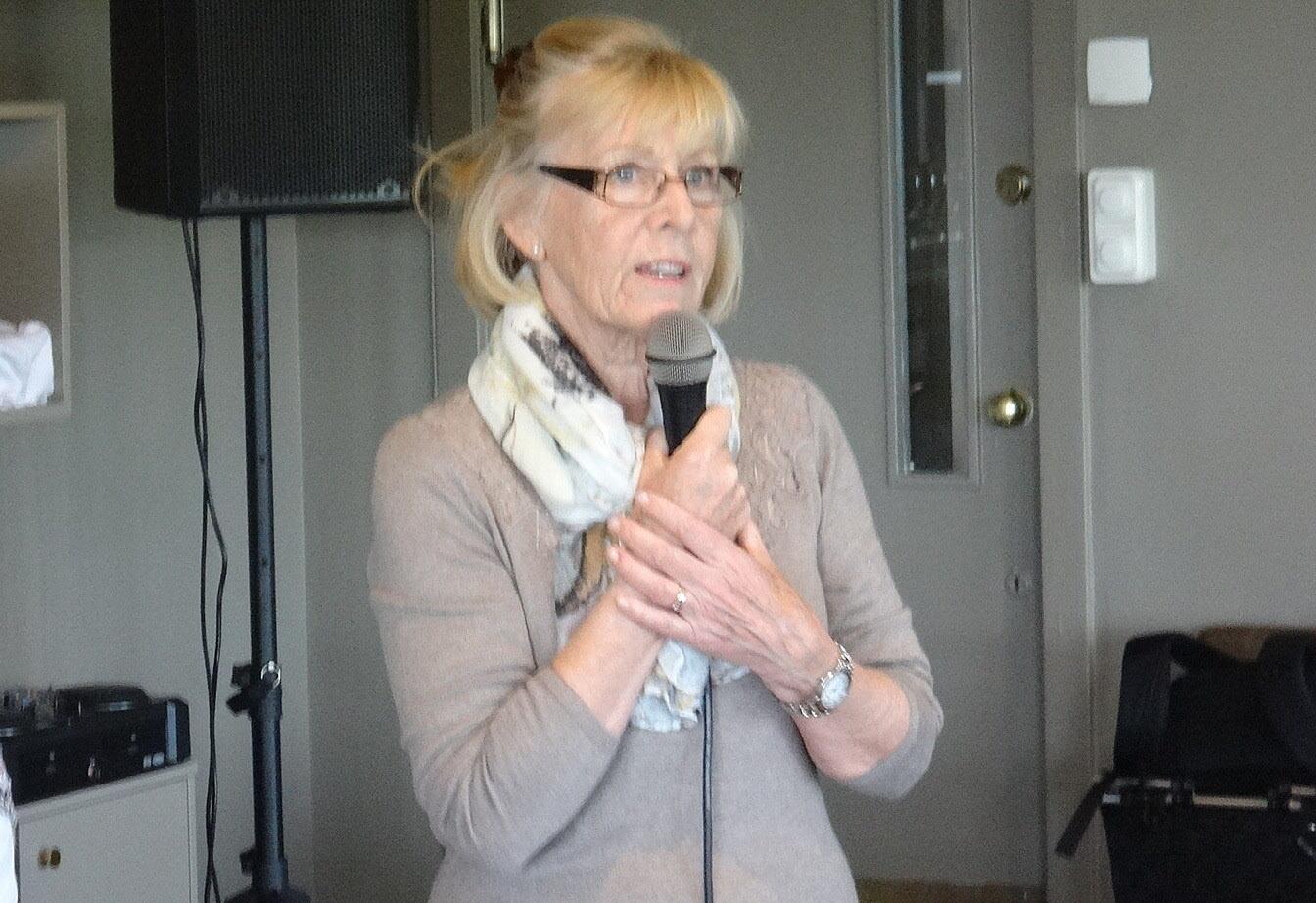 Karin informerar om nya lokaler under hösten