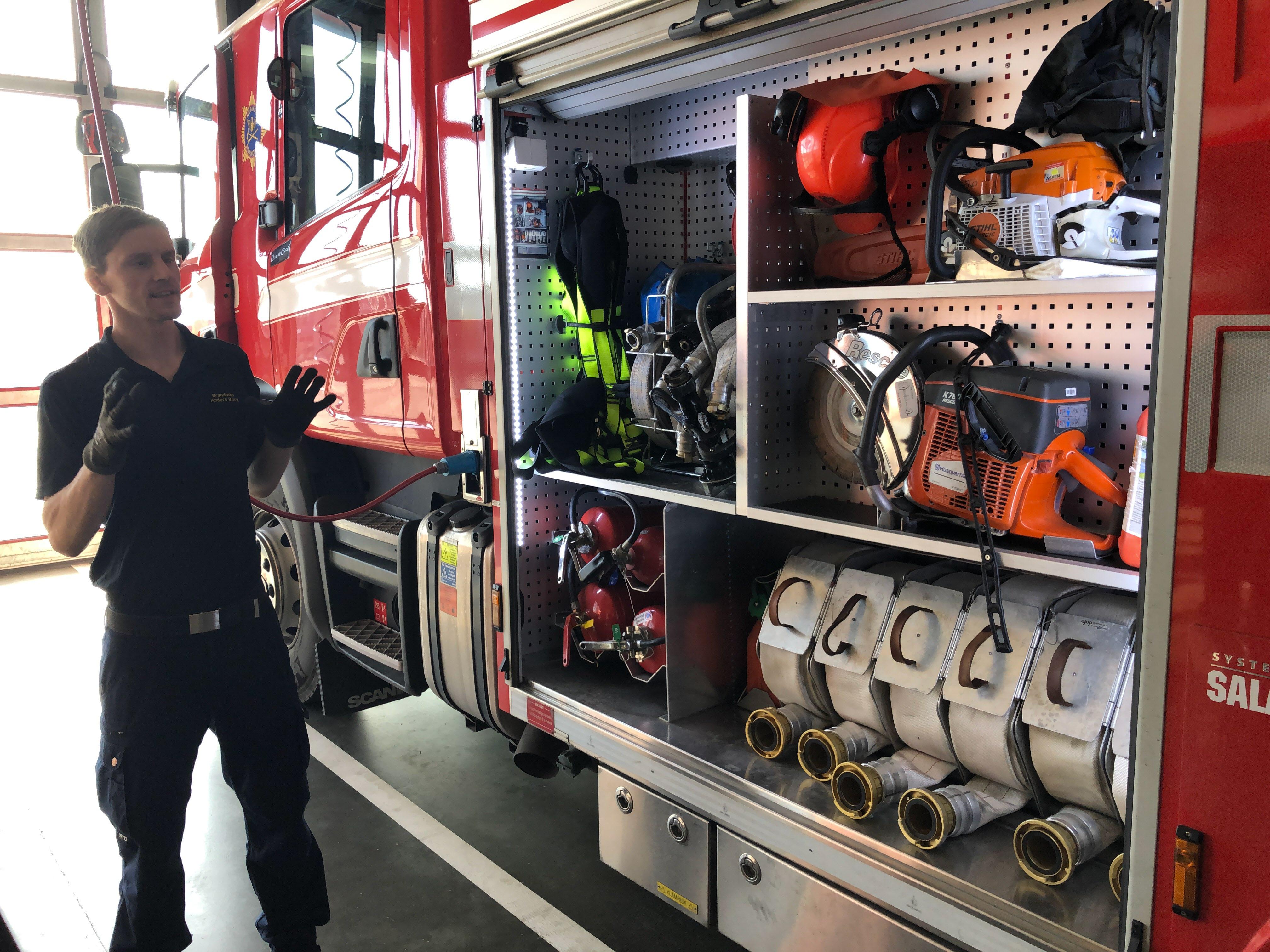 Visning av packad brandbil