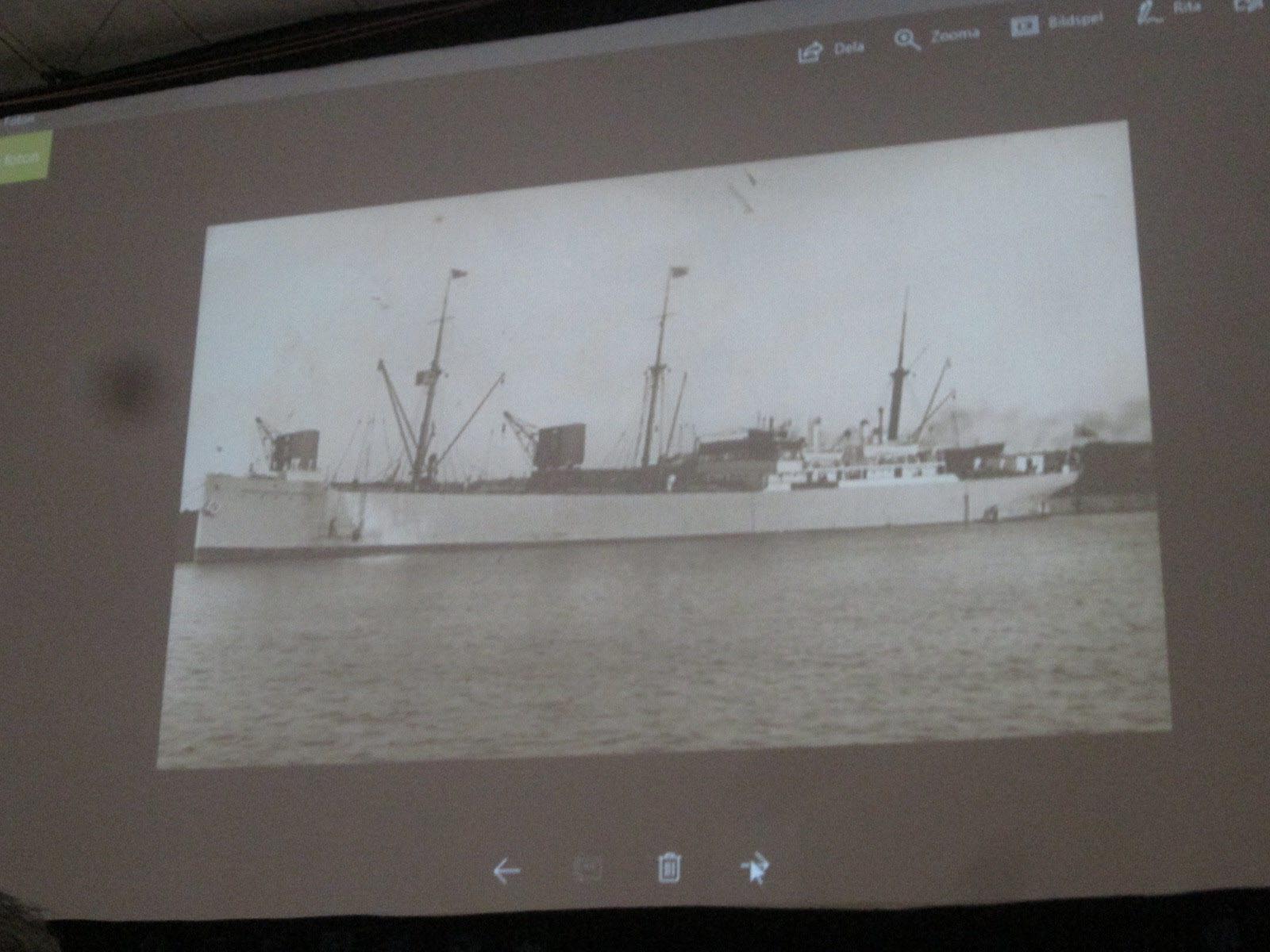 """Stora fartyg angjorde hamnen för att lasta tusentals ton med """"Knott"""" för export"""