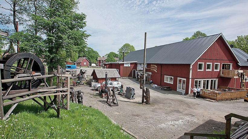 Andra besöksmålet blir Derome Trä & Nostalgimuseum i Veddige