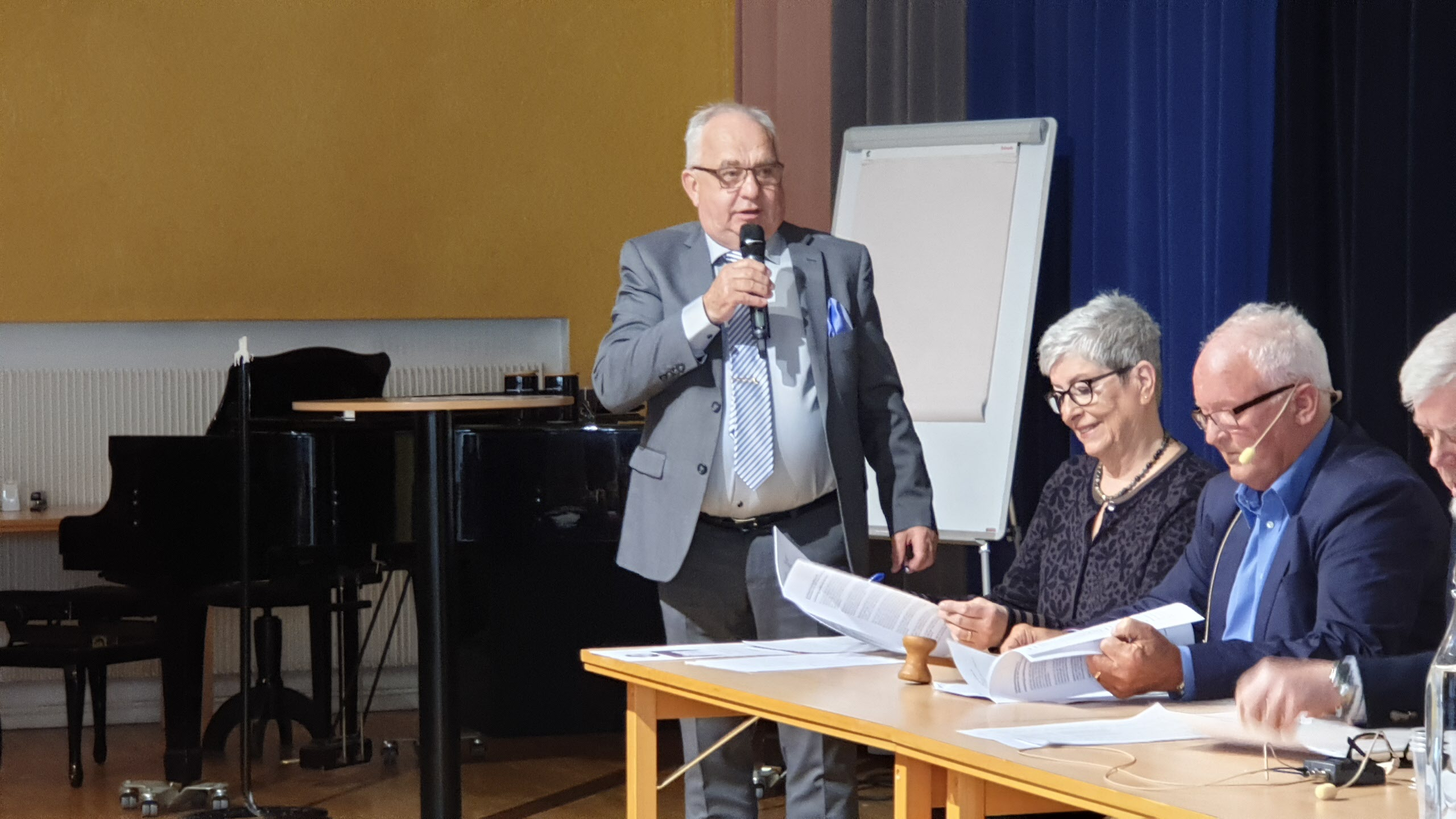 Ordförande Åke Persson & presidiet