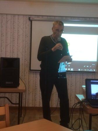 Lennart Brodén hälsar välkommen till årsmötet