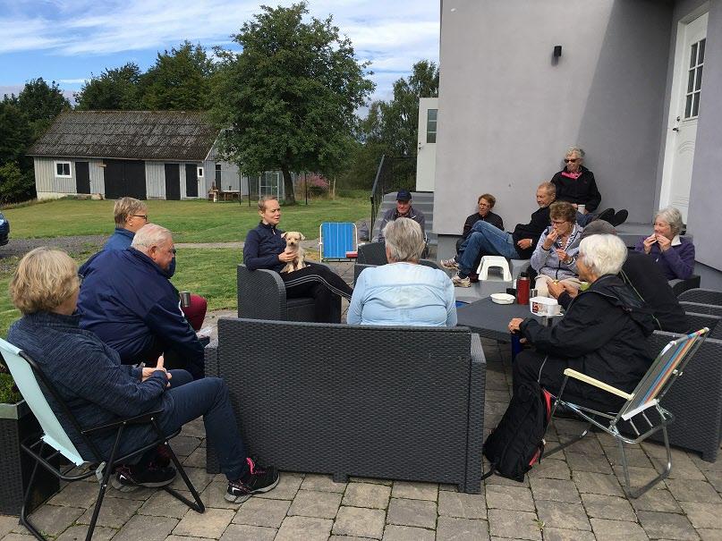 24 augusti Promenad i Fathult med Gunvor som guide och fikastund hos Birgitta.